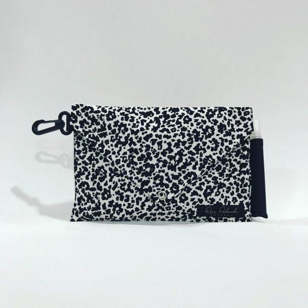 Bolso animal print blanco/negro