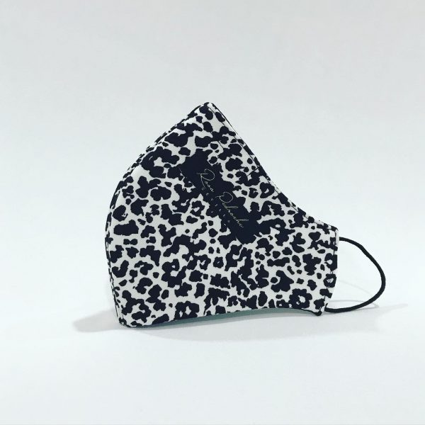 Mascarilla animal print blanco/negro